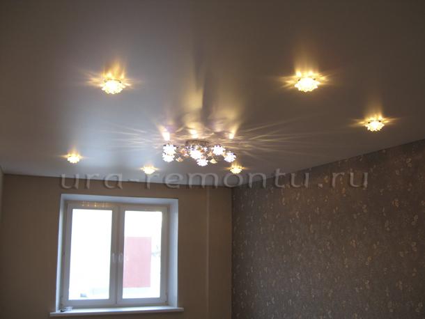 Выбор потолка и света для интерьера своей спальни
