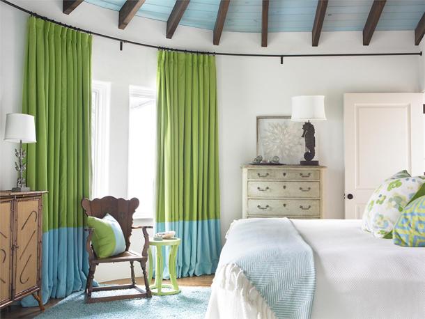 Как выбрать шторы или занавески в спальню