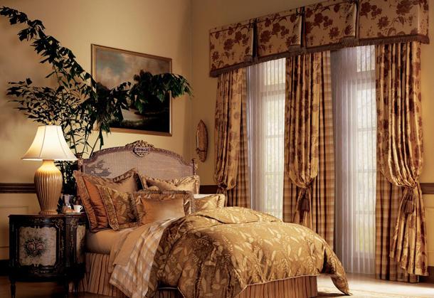 Как подобрать шторы в классическую спальню