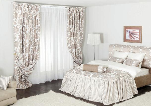 Как подобрать в спальню шторы с рисунком